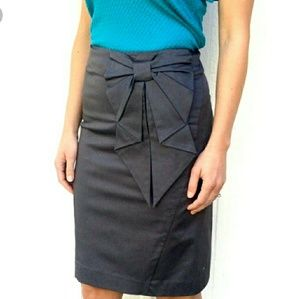 H&M Bow Pencil Skirt- Size 4